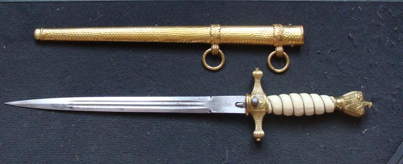 Dague Kriegsmarine fourreau martelé Dsc06014