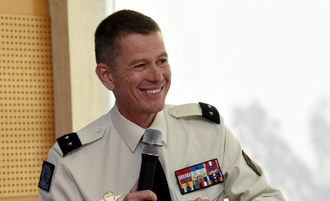 Le général COLLET en pédagogue du militaire (Rencontres d'Occitanie) Genera11