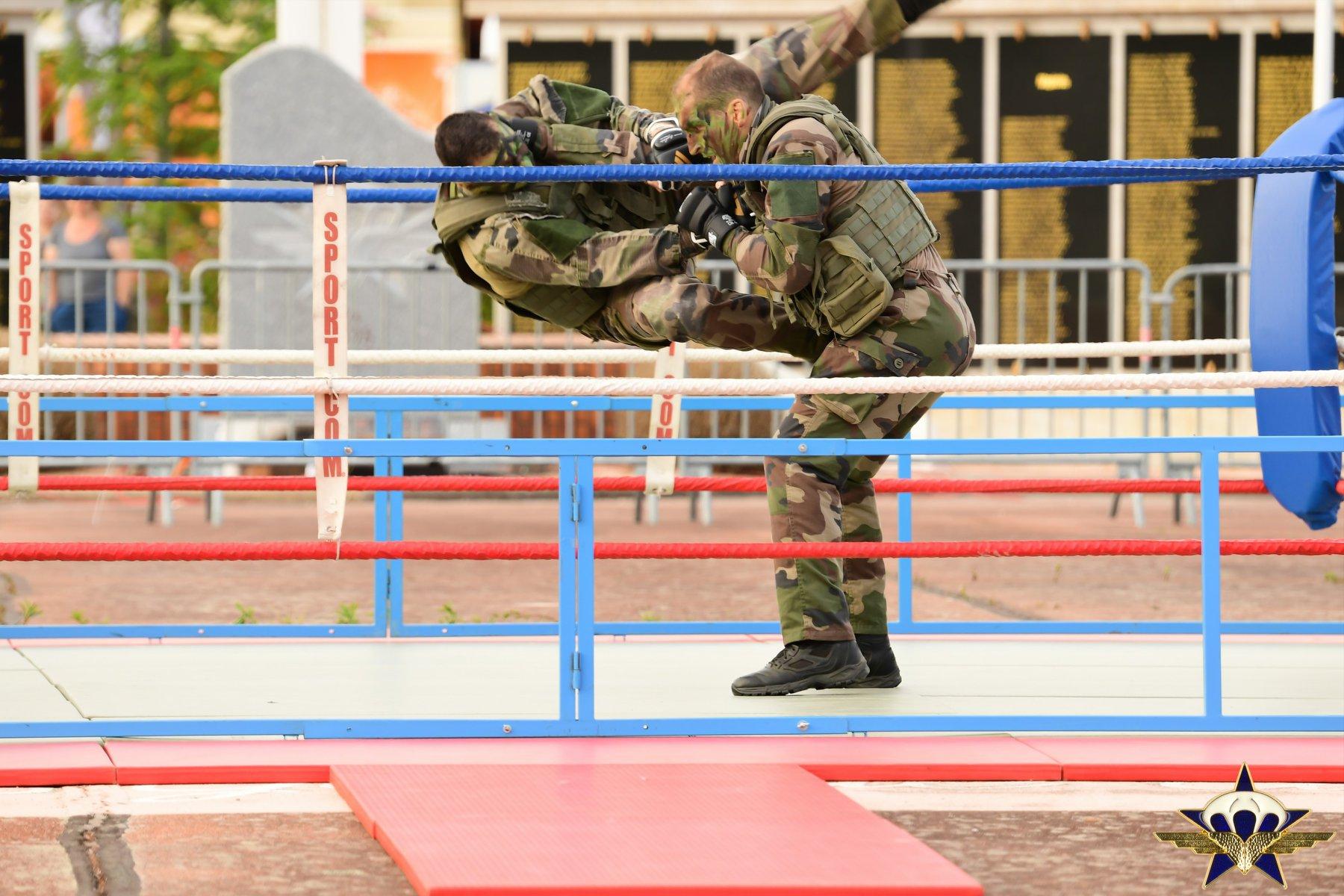 Retour en images sur les JPO du 1er para avec la patrouille de France et...... Jpo_2025