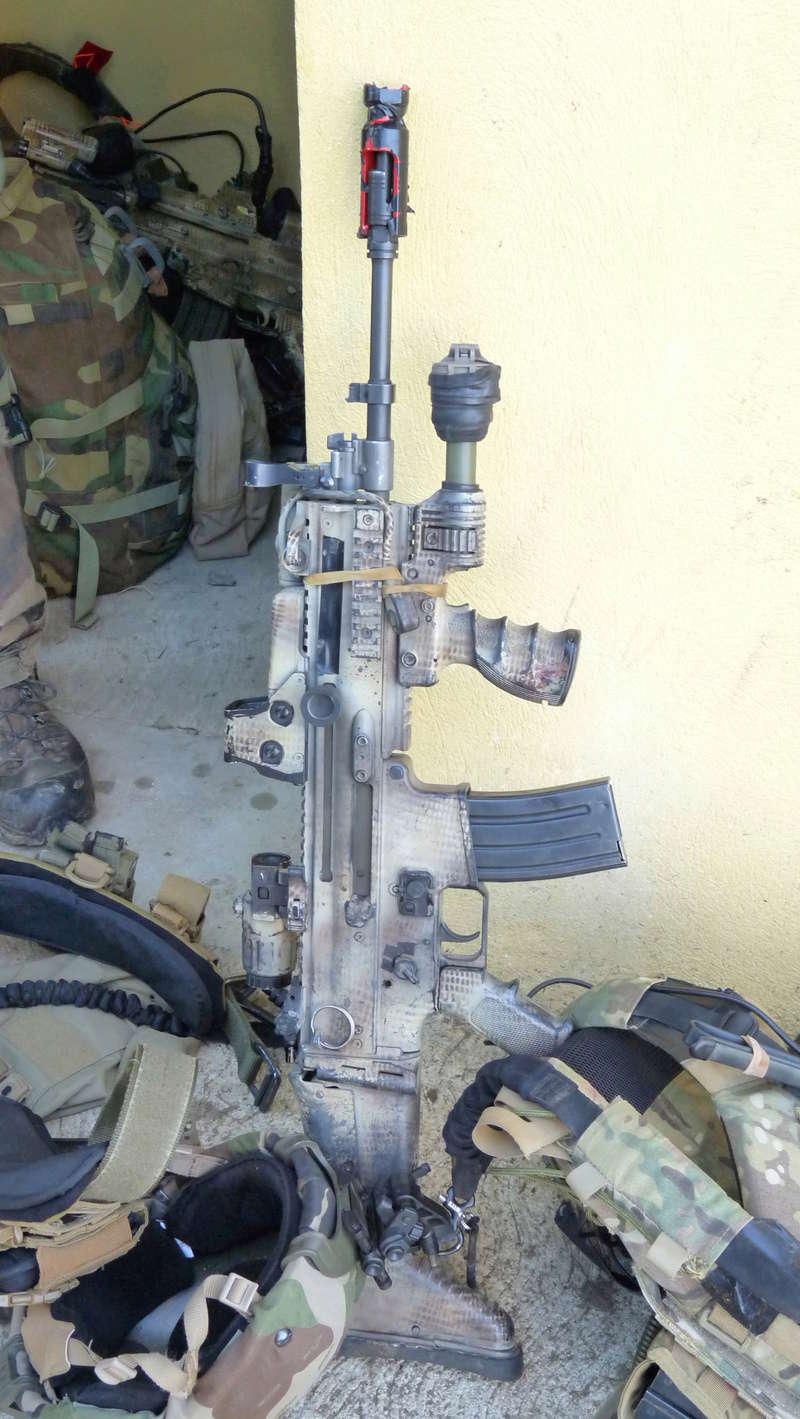 Quelques armes en dotation chez les GCP du 1er RCP P1080610