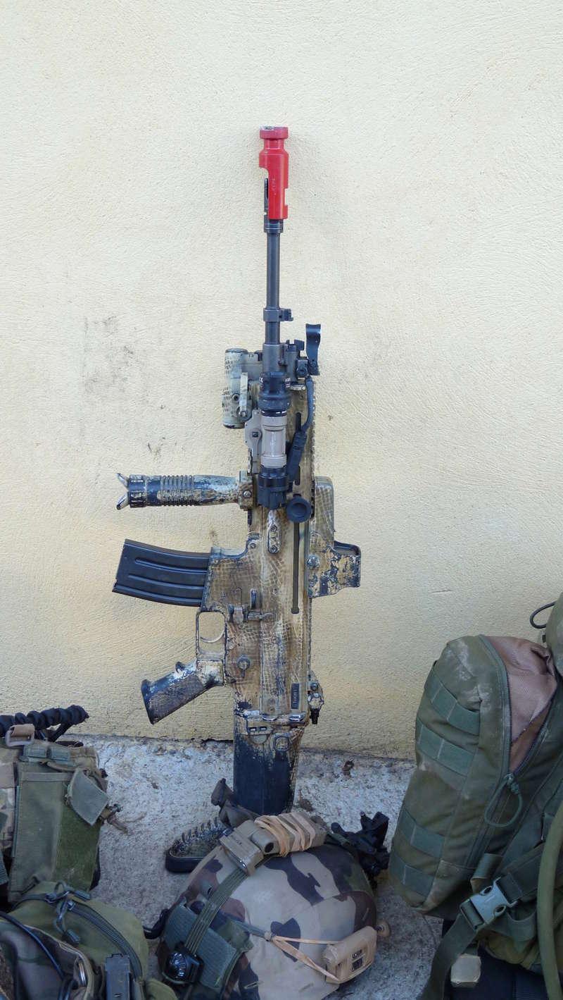 Quelques armes en dotation chez les GCP du 1er RCP P1080611