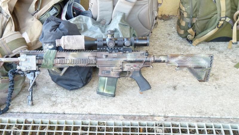 Quelques armes en dotation chez les GCP du 1er RCP P1080612