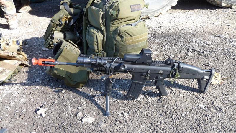 Quelques armes en dotation chez les GCP du 1er RCP P1080710