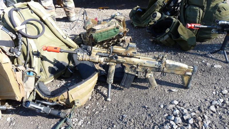 Quelques armes en dotation chez les GCP du 1er RCP P1080711