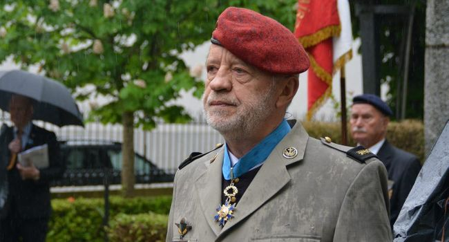 Le père Richard Kalka commandeur de l'ordre national du mérite Richar10