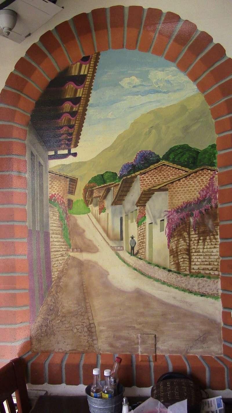 Los Gallitos Murals Fullsi12