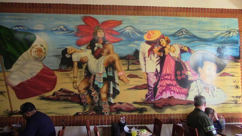 Los Gallitos Murals Img_1514