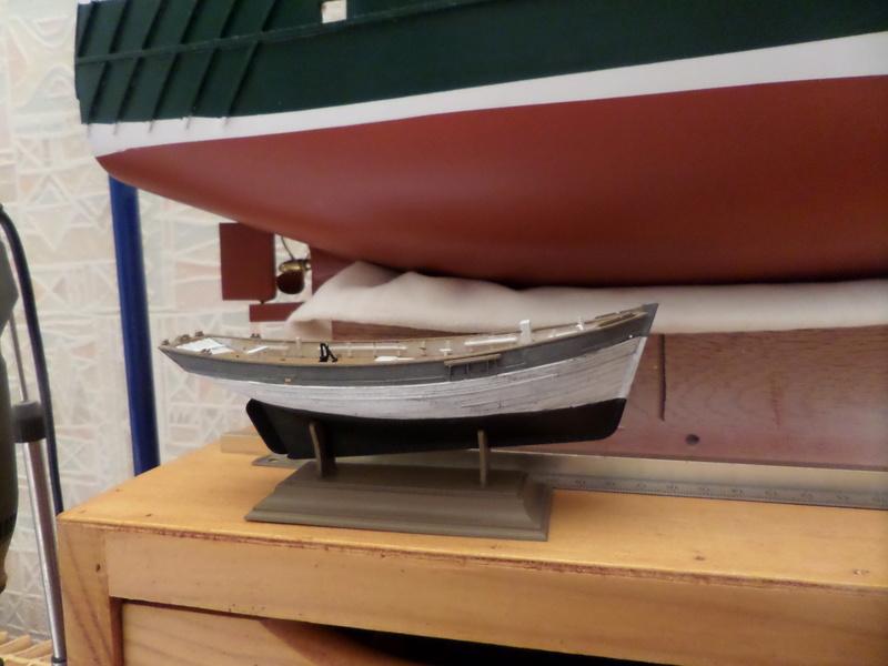 Eh pourquoi pas un petit bateau en plastique Sam_4421