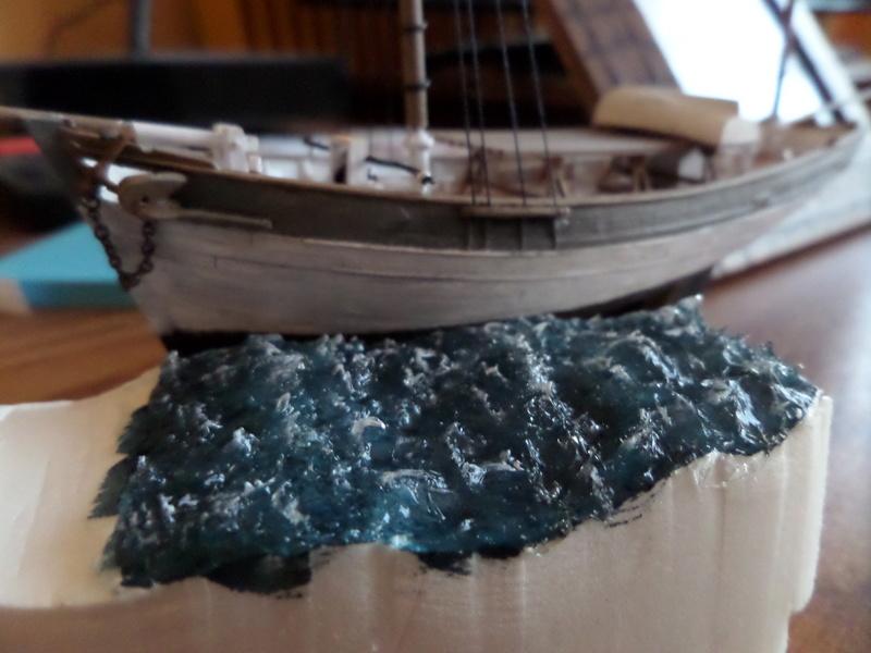 Eh pourquoi pas un petit bateau en plastique Sam_4613