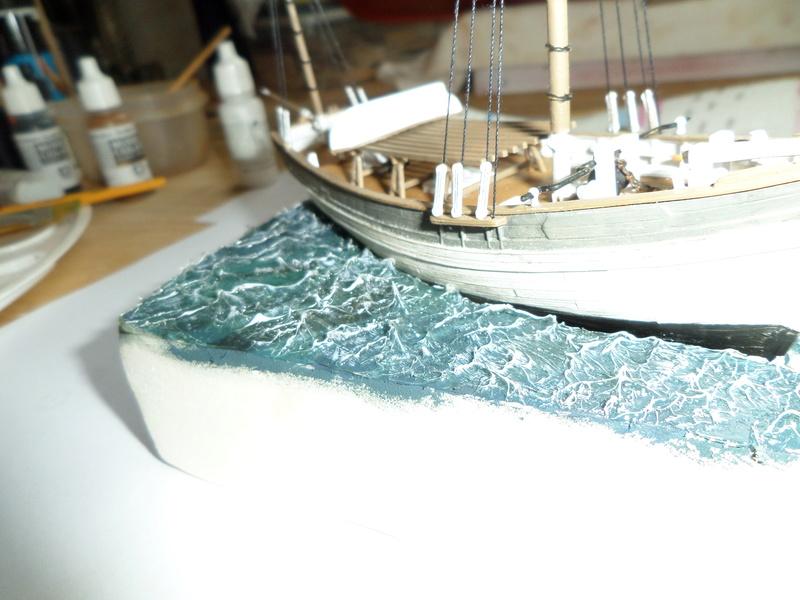 Eh pourquoi pas un petit bateau en plastique Sam_4623