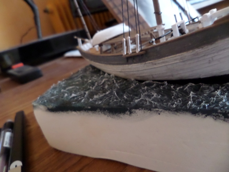 Eh pourquoi pas un petit bateau en plastique Sam_4624