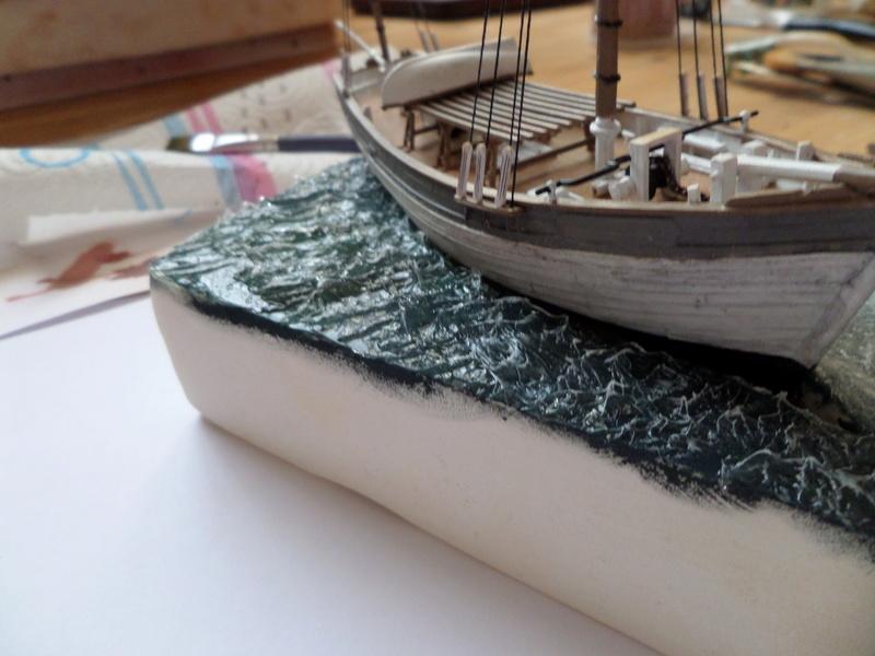 Eh pourquoi pas un petit bateau en plastique Sam_4625