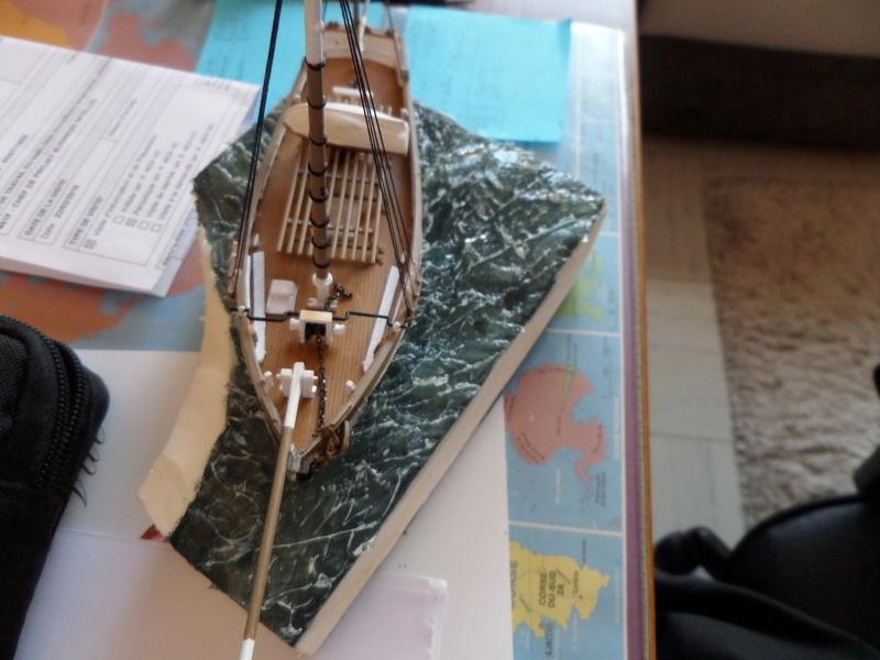 Eh pourquoi pas un petit bateau en plastique Sam_4631
