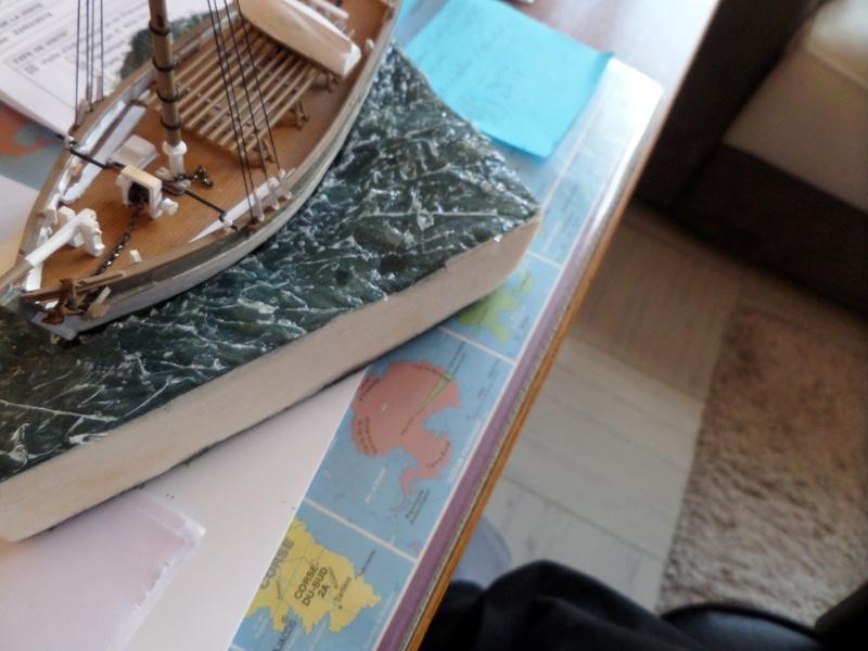 Eh pourquoi pas un petit bateau en plastique Sam_4633