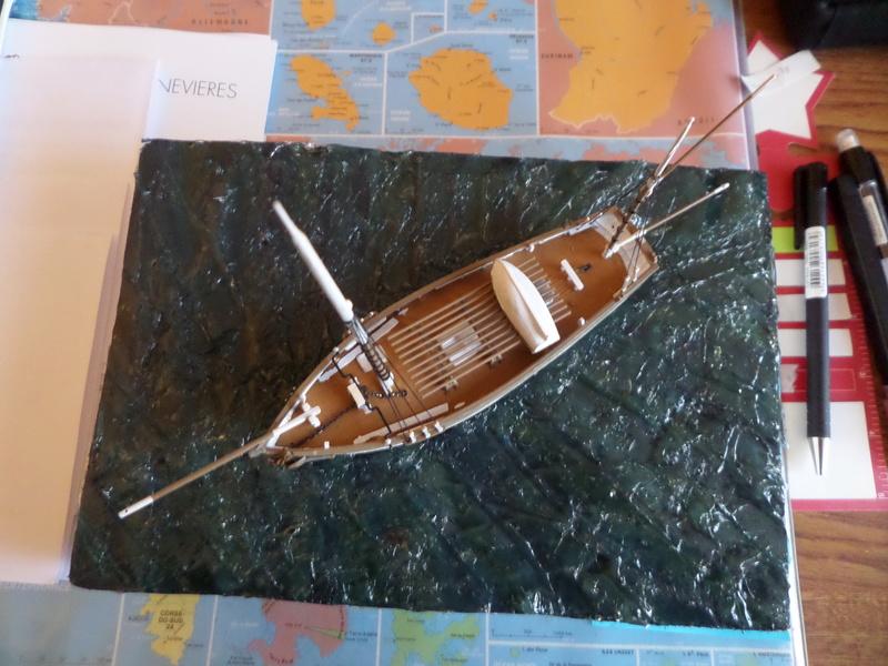 Eh pourquoi pas un petit bateau en plastique Sam_4635