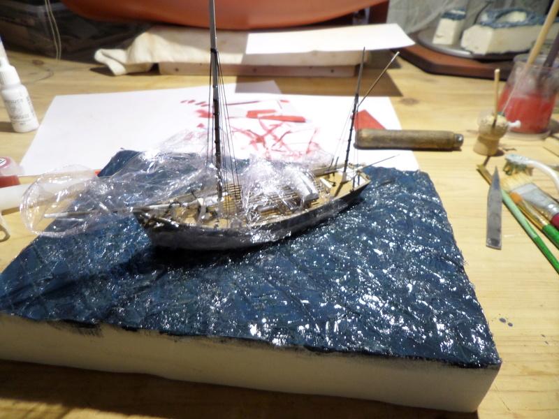Eh pourquoi pas un petit bateau en plastique Sam_4637