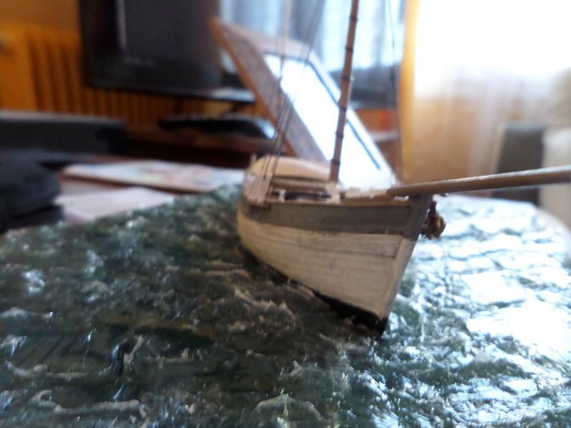 Eh pourquoi pas un petit bateau en plastique Sam_4641