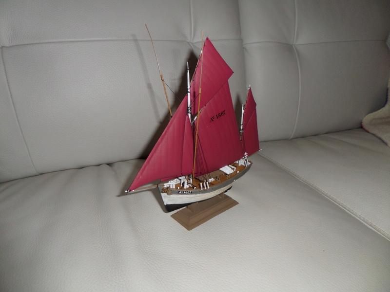 Eh pourquoi pas un petit bateau en plastique - Page 2 Sam_4646