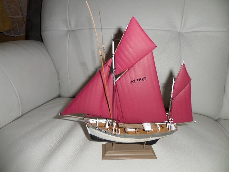 Eh pourquoi pas un petit bateau en plastique - Page 2 Sam_4647