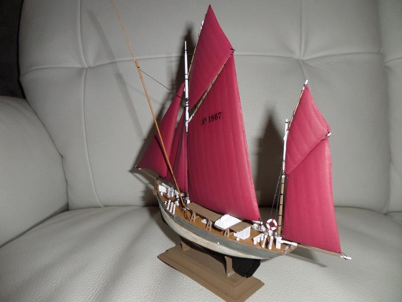 Eh pourquoi pas un petit bateau en plastique - Page 2 Sam_4649