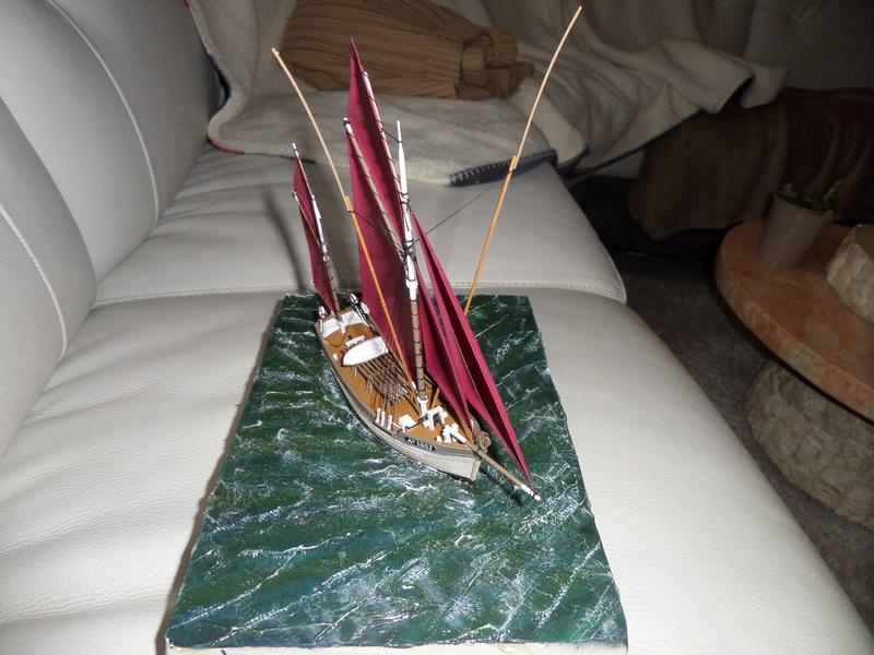 Eh pourquoi pas un petit bateau en plastique - Page 2 Sam_4650