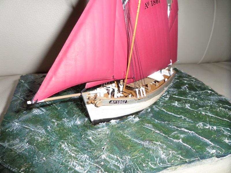 Eh pourquoi pas un petit bateau en plastique - Page 2 Sam_4651