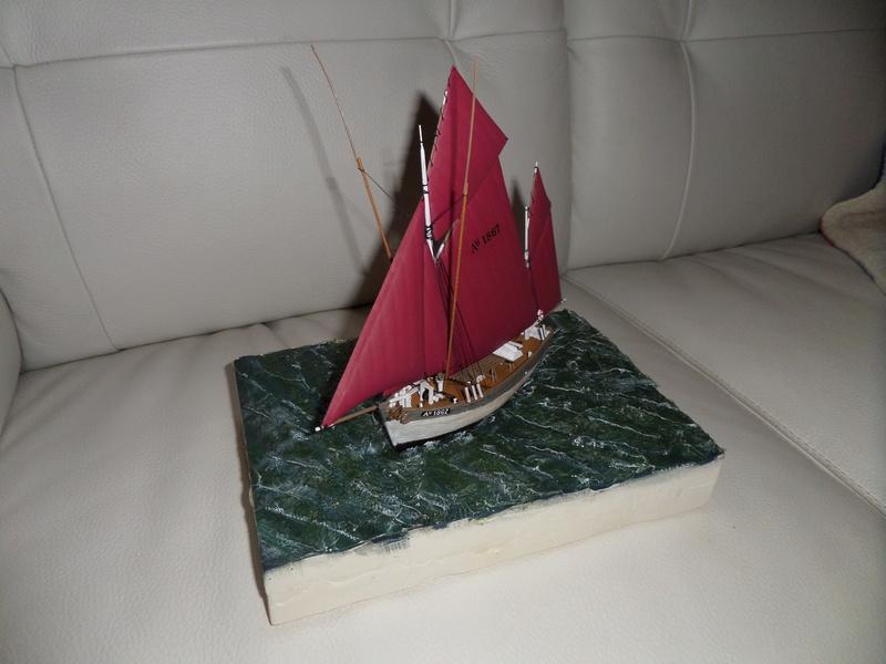 Eh pourquoi pas un petit bateau en plastique - Page 2 Sam_4652