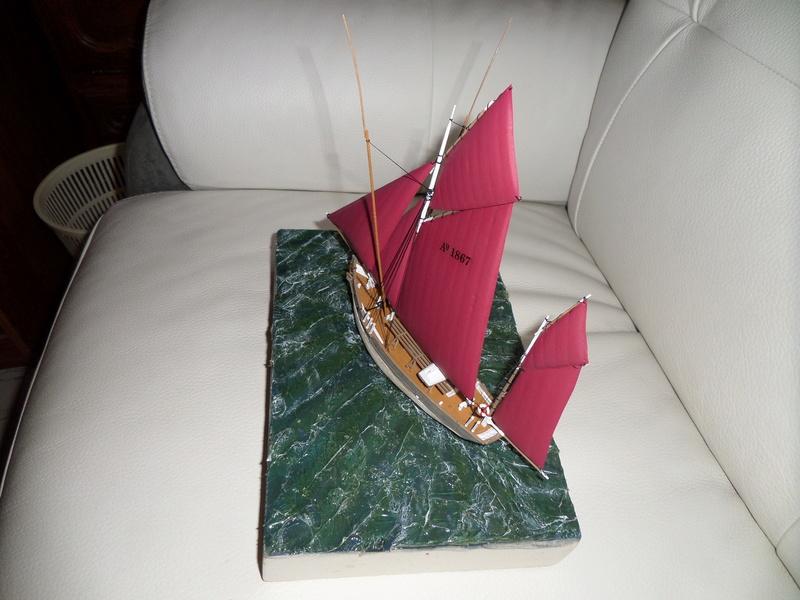 Eh pourquoi pas un petit bateau en plastique - Page 2 Sam_4653