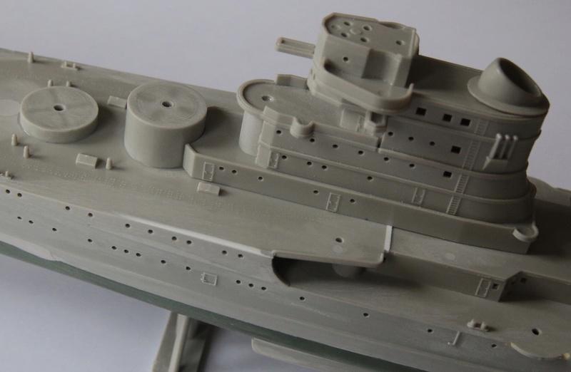 Croiseur lourd italien Pola - Tauro Model 1/400 0b633c10