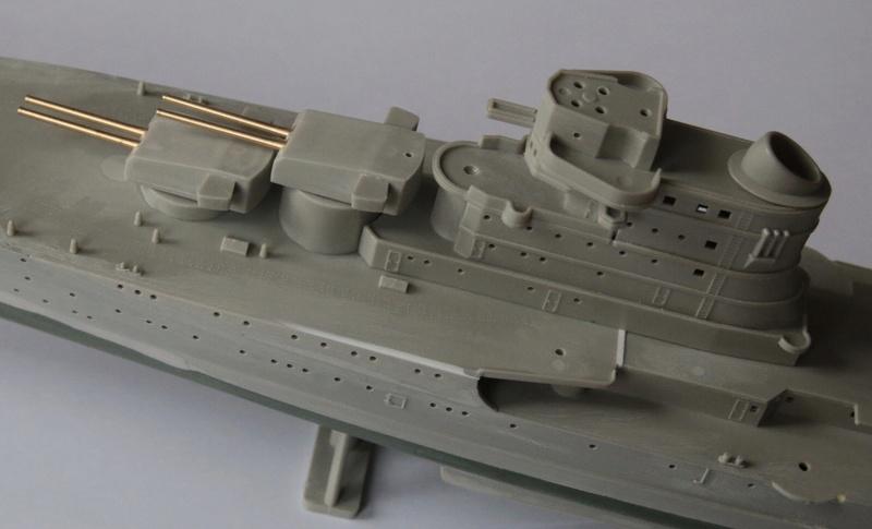 Croiseur lourd italien Pola - Tauro Model 1/400 795e5f10