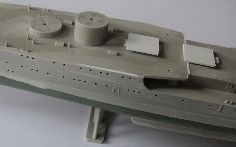 Croiseur lourd italien Pola - Tauro Model 1/400 Dbe84b10