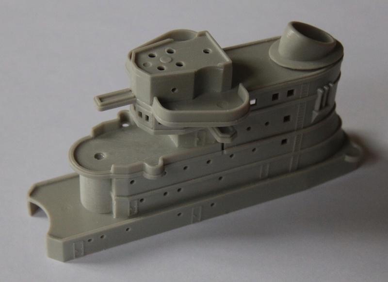 Croiseur lourd italien Pola - Tauro Model 1/400 Eab63710