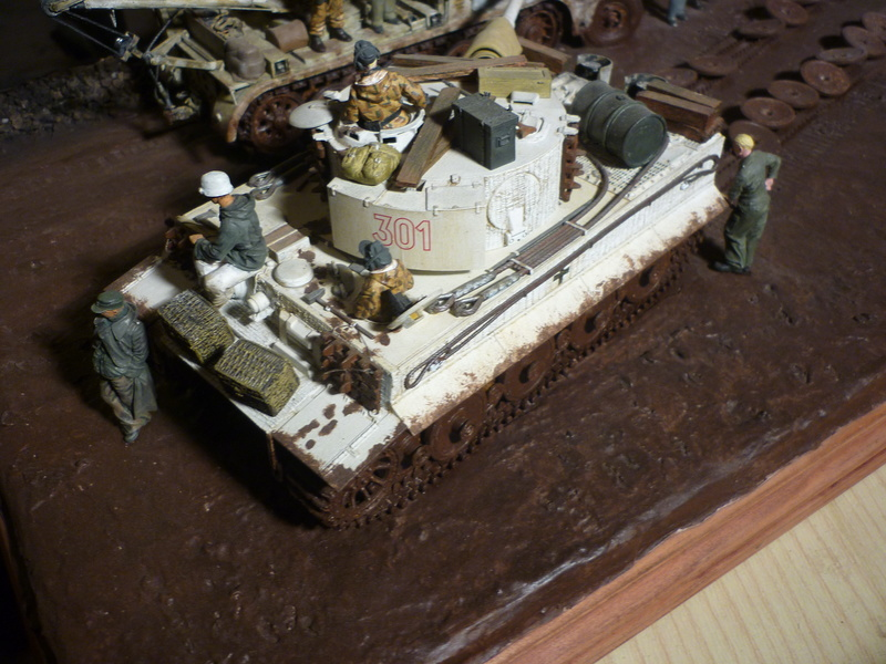 Changement de chenille front de l'est - Sd.Kfz.9 FAMO Tamiya 1/35 + TIGRE I Ausf.E DRAGON 1/35 + Volkswagen CMK 1/35  - Page 3 P1080414