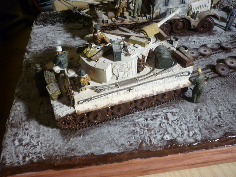 Changement de chenille front de l'est - Sd.Kfz.9 FAMO Tamiya 1/35 + TIGRE I Ausf.E DRAGON 1/35 + Volkswagen CMK 1/35  - Page 3 P1080514