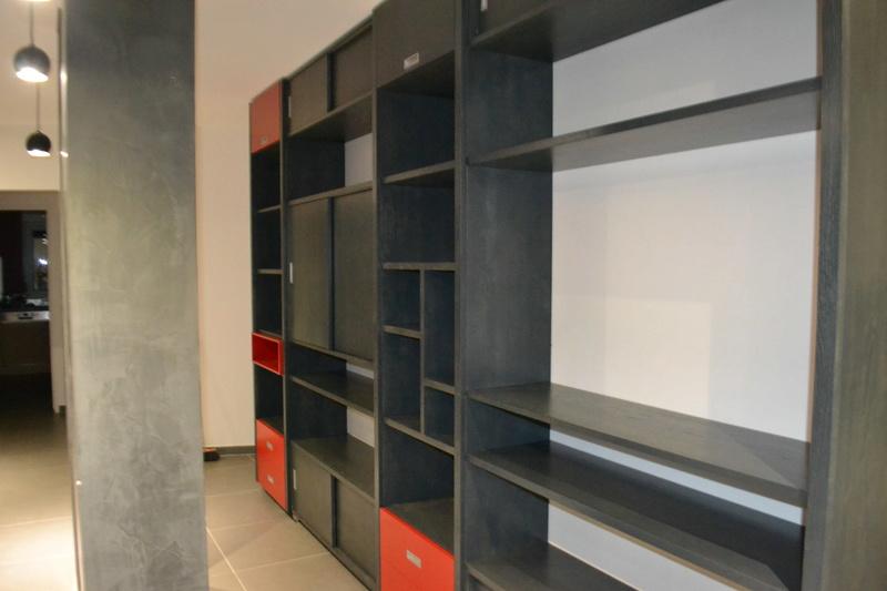 une bibliotheque moderne Dsc_0055