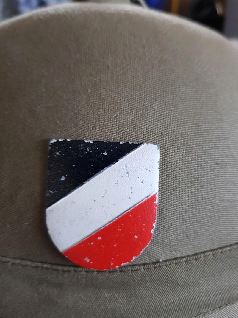 bonjour besoin de votre aide pour une casque tropicale kriegsmarine,merci 03112