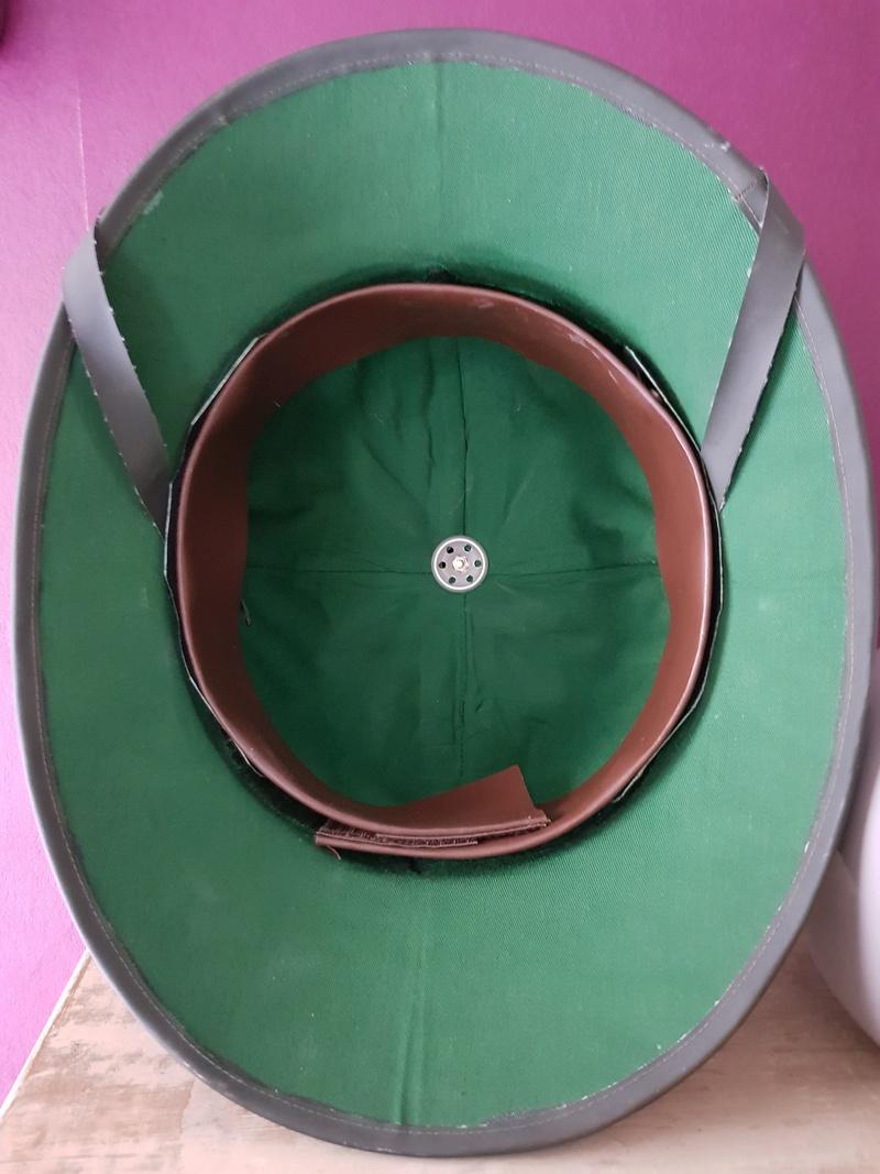 bonjour besoin de votre aide pour une casque tropicale kriegsmarine,merci 03411