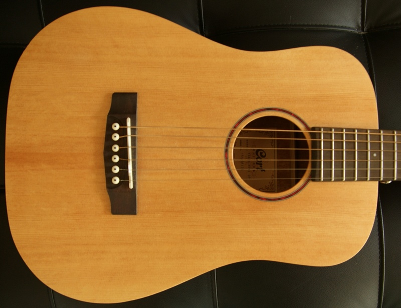 Vds guitare Cort Earth mini OP VENDUE ! 116