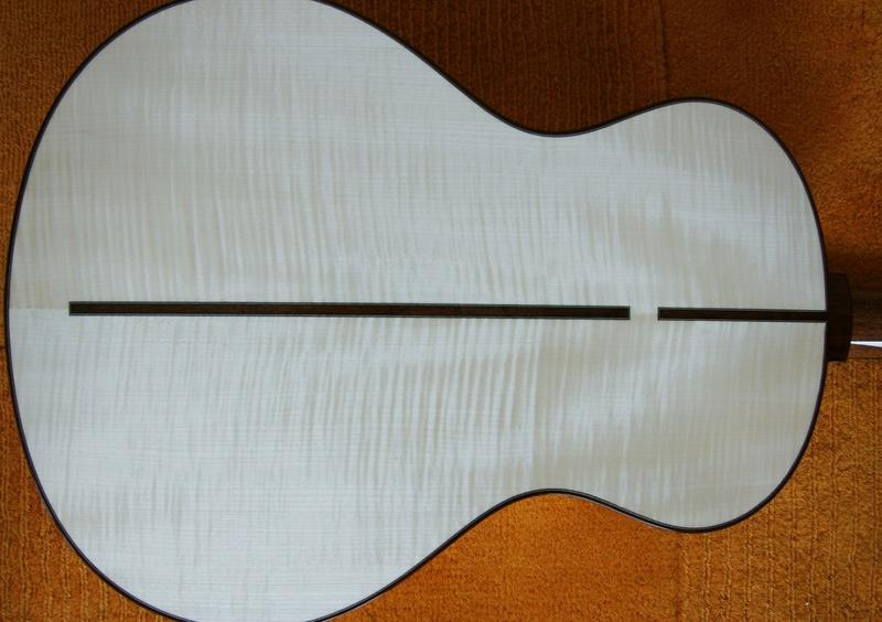Guitare Baron 12 cordes (fabrication en cours) Dsc03010