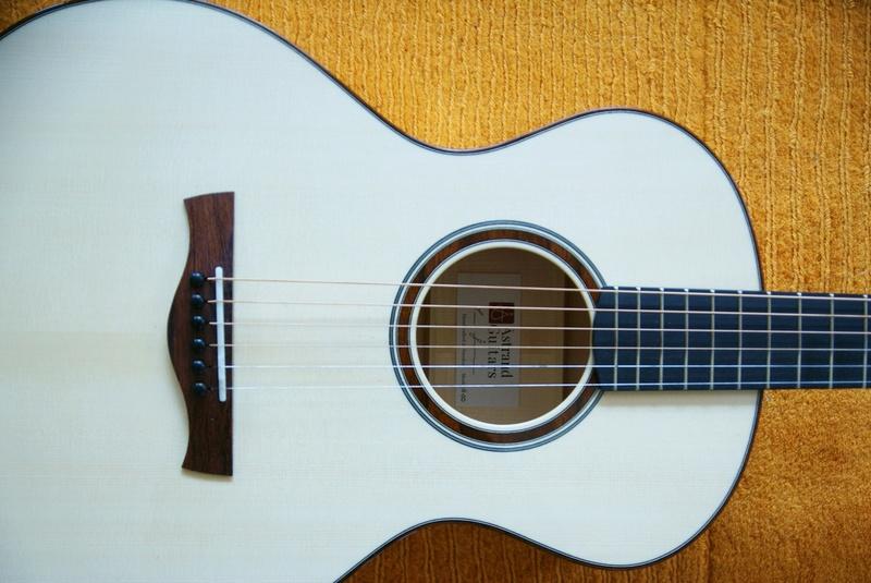 Guitare Baron 12 cordes (fabrication en cours) Dsc03013