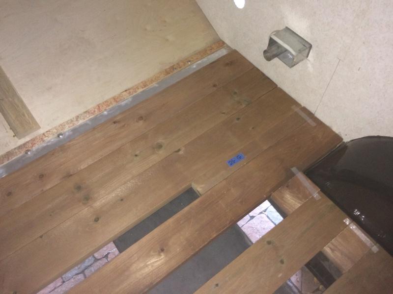 Roulotte T@B : Reconstruction du plancher 2017-112