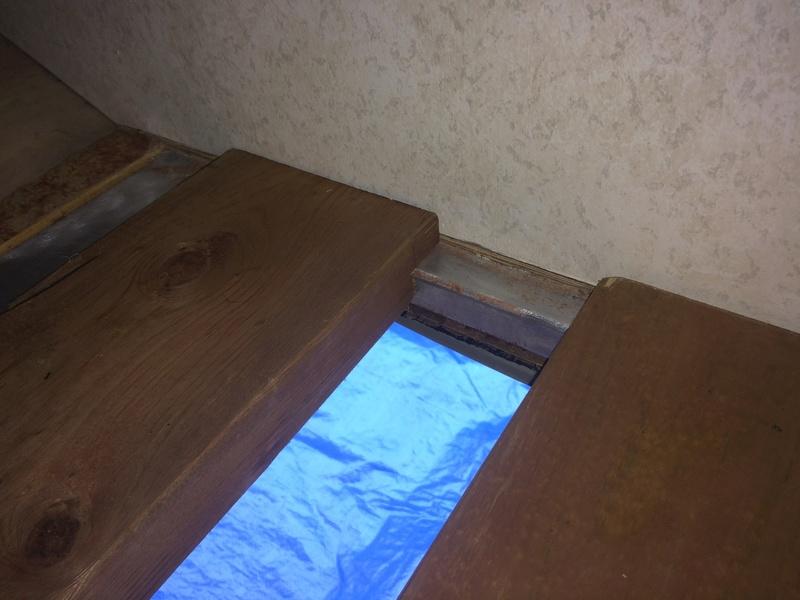 Roulotte T@B : Reconstruction du plancher 2017-115