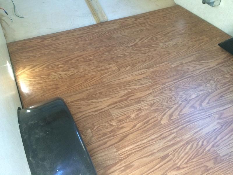 Roulotte T@B : Reconstruction du plancher 2017-122