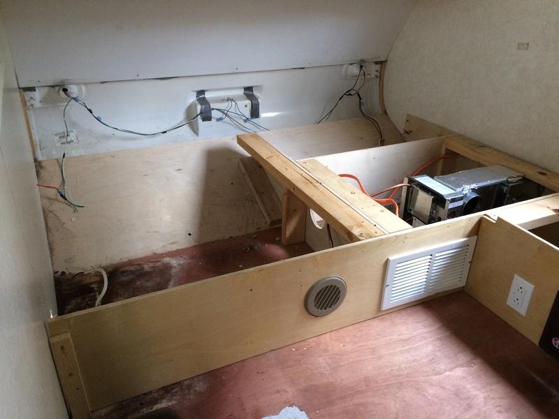 Roulotte T@B : Reconstruction du plancher Img_2240