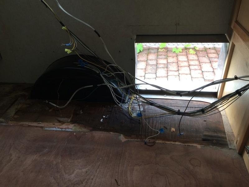 Roulotte T@B : Reconstruction du plancher Img_2318