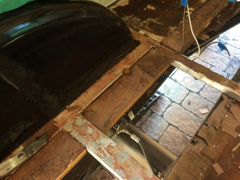 Roulotte T@B : Reconstruction du plancher Img_2322