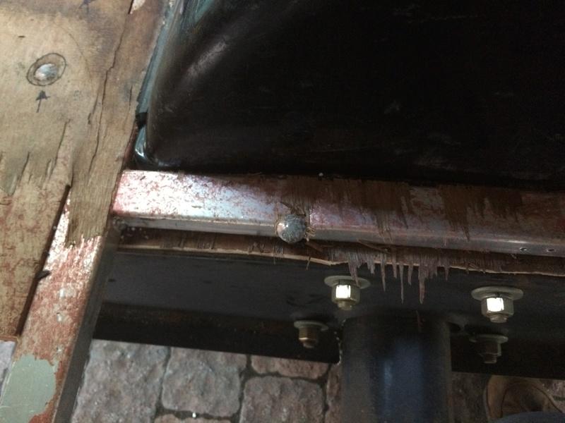 Roulotte T@B : Reconstruction du plancher Img_2331
