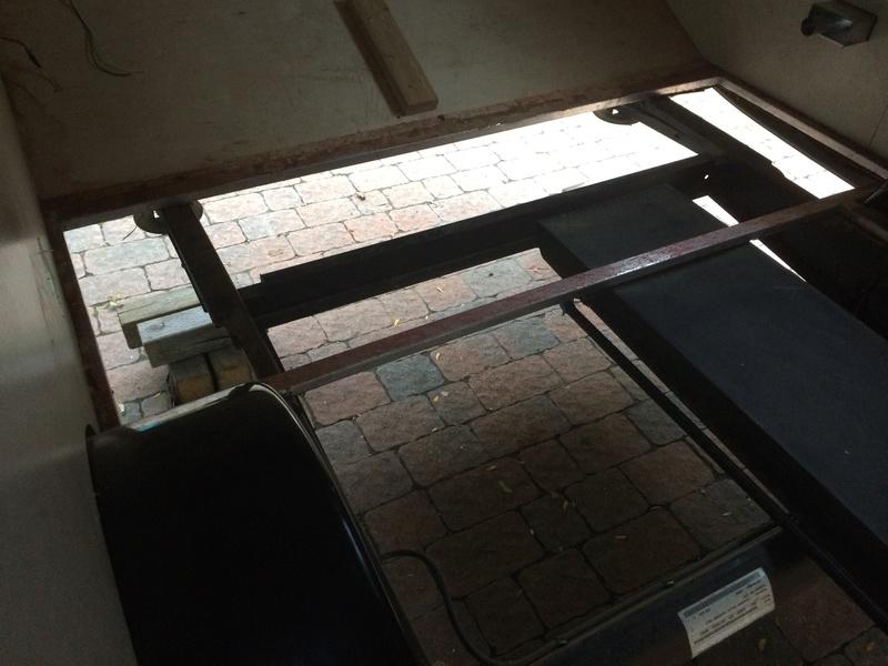 Roulotte T@B : Reconstruction du plancher Roulot19