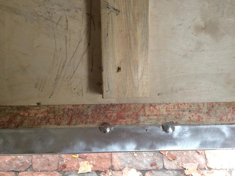 Roulotte T@B : Reconstruction du plancher Roulot24