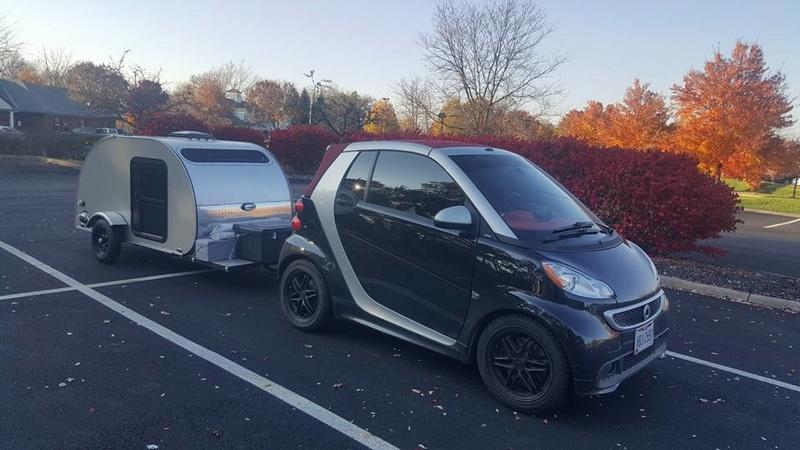 B's In A Pod Camping (U.S.A.) Smart10